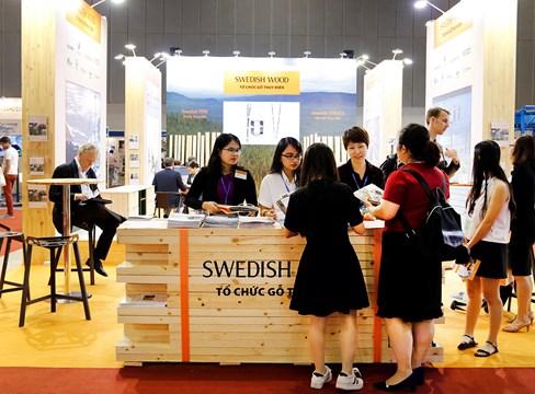 Den svenska sågverksindustrin ser en stor potential att stödja den snabbt växande vietnamesiska träbearbetande industrin med svenskt barrträ