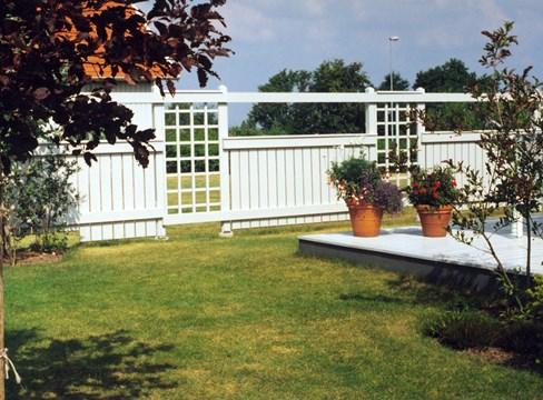 Sommarens bästa byggtips för staket och plank