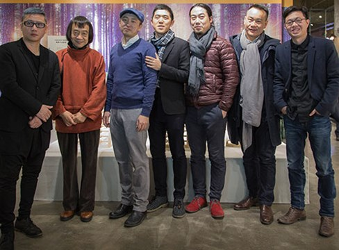 Svensk furu möter kinesisk möbeldesign