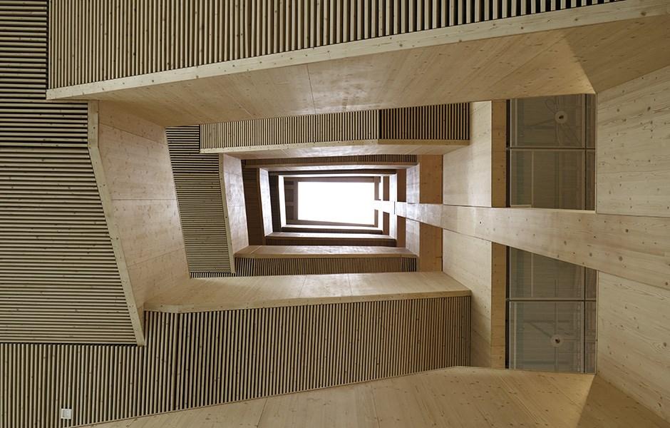 Fem våningar av precision